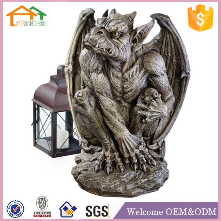 Factory Custom made garden deccoration polyresin gargoyle statue