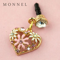 ip556-1 Monnel Gold Plated Hollow Love Heart Shape Inlaying White Pink Flower Crystal Anti Dust Plug Cover Stopper Charm