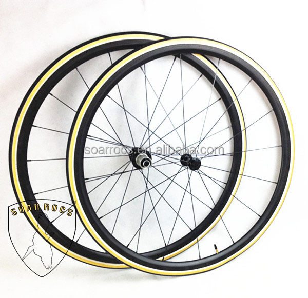 SoarRocs Only 980g 24mm tubular wheel with giro tire UD matte finish carbon ultra light wheelset