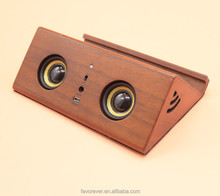 Lovely smail face wooden speaker new gadgets 2016 interesting promotion gadgets