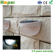 3 years warranty period Half moon design Solar led compound wall lights
