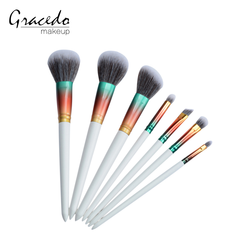 White taper plastic handle gradient ramp aluminum ferrule synthetic hair makeup brushes