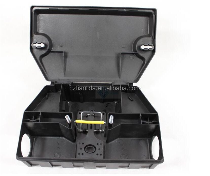 Vertical and horizontal use heavy duty rodent bait station with snap trap---TLD4002