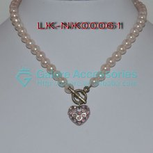 2012 hot sell trendy pearl necklace jewelry with heart shaped alloy
