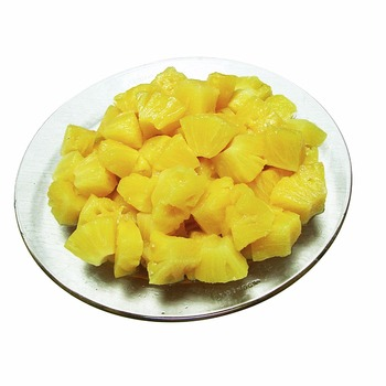 canned pineapple piece