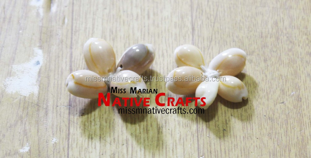 Flower-shaped Cowry Shells