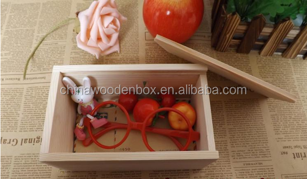 Simple wooden gift box