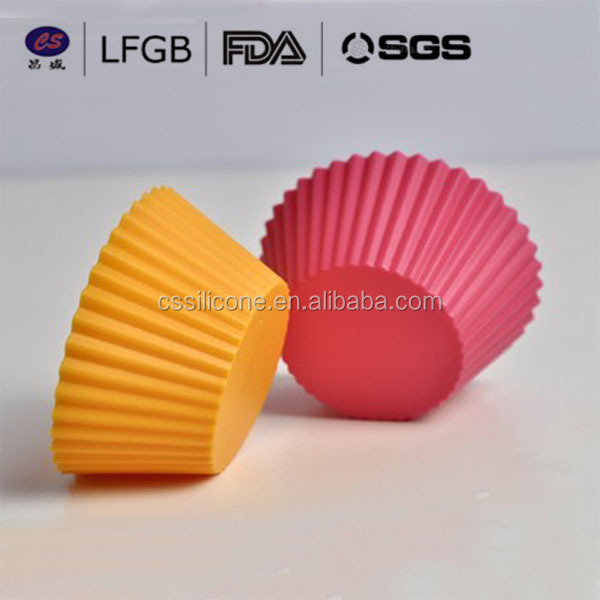 FDA christmas promotional low price factory silicone muffin cup Cake Baking mould