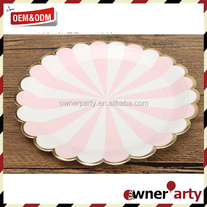 Scallop Party favor Pink paper plates