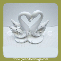 Hot Sale Resin Lovely Decorative Dove Statue Figurine For Promotion