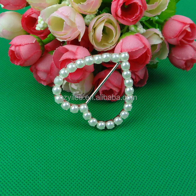 Top Sale Heart Rhinestone Pearl <strong>Buckle</strong> For Wedding Chair Cover