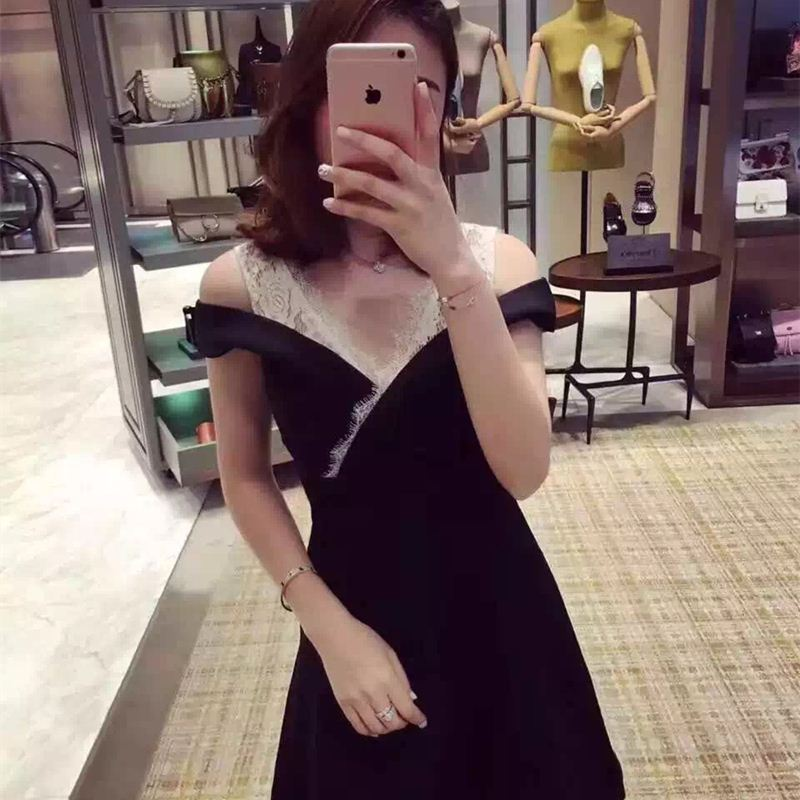 skull dress ladies Hot selling Korean clothing enterprises to store European wholesale agent fake two little black dress V colla
