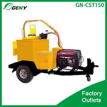Traction-type Asphalt road surface crack sealer