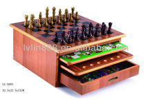 8 in 1 chess game set with best price and wooden frame
