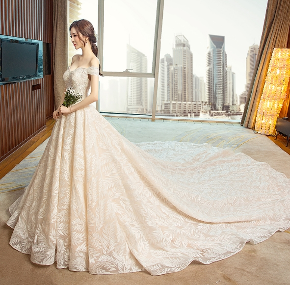 Newest design elegant backless lace beauty bridal wedding dress