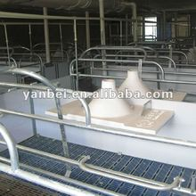 PVC Rail Elevated Farrowing Crate for Pig
