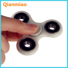 Hot Sale Finger Tip Bearing Silicone Fidget Hand Spinner Toy