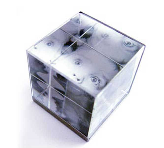 Clear Acrylic Photo Holder Cube/ Picture Holder