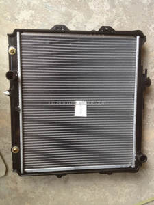 16400-75270 FOR TOYOTA HILUX 2.4 2002 auto car aluminum radiator china manufacturer