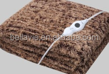 Electric blanket with detachable connector