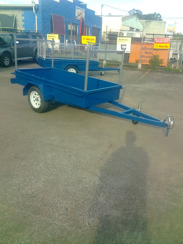 8x4 heavy duty box trailer with removable racks