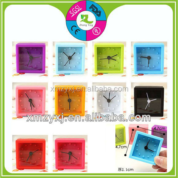 hot sale square embossed numbers watch face silicone mini alarm clock
