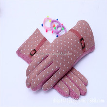 China Woolen Glove Manufacturer Pink Magic Glove