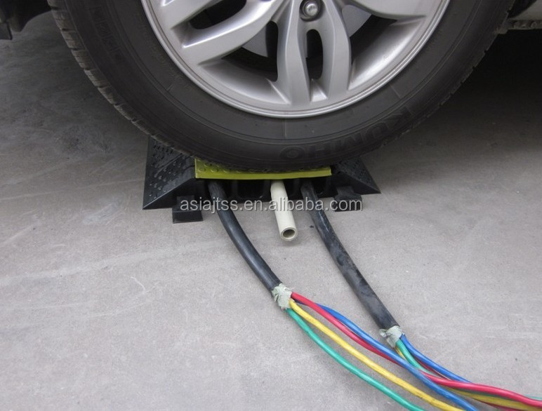 Hot Sale 5 channel Rubber Cable Protectors/Cable Cover