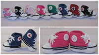 Crocheted baby booties in tennis shoe style Baby crochet Tennis Shoes
