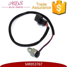 Auto Freewheel Clutch Switch for Mitsubishi Pajero V73W OEM:MR953767