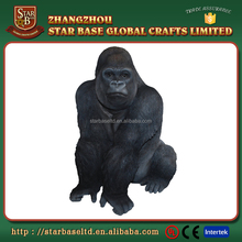 Custom made wholesales decorative polyresin black Gorilla figurine