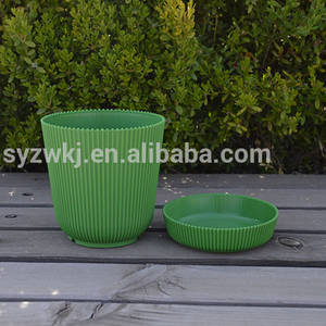 Circle Plastic Flower Plant Pots and tray