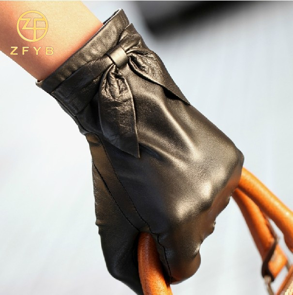 Female cashmere lined leather hand gloves