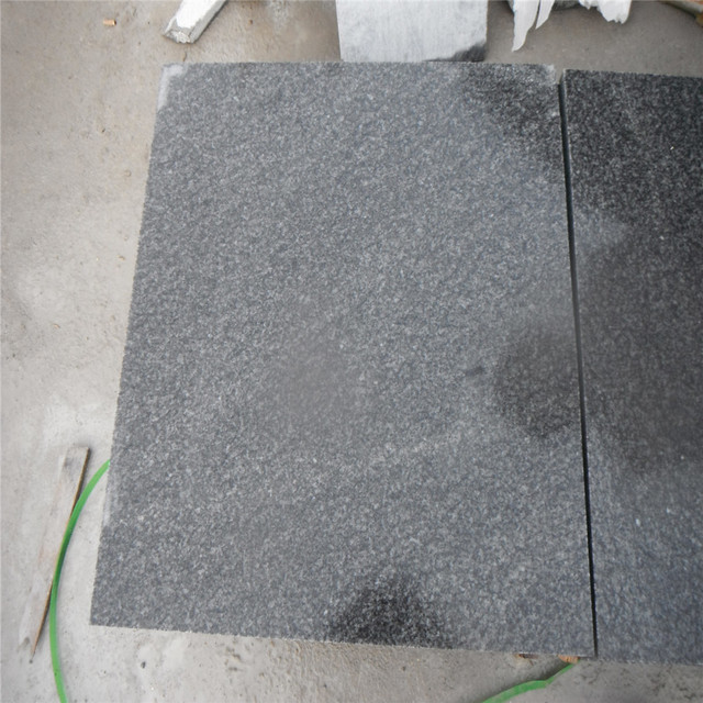 G343 Grey Granite Flamed Surface Cobble Stones