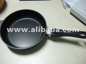 High End Cast Aluminium Cookware with detachable handles