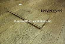 Natural Color Russia Oak solid wood flooring//Russia Oak Brushed UV oiled Parquet Flooring