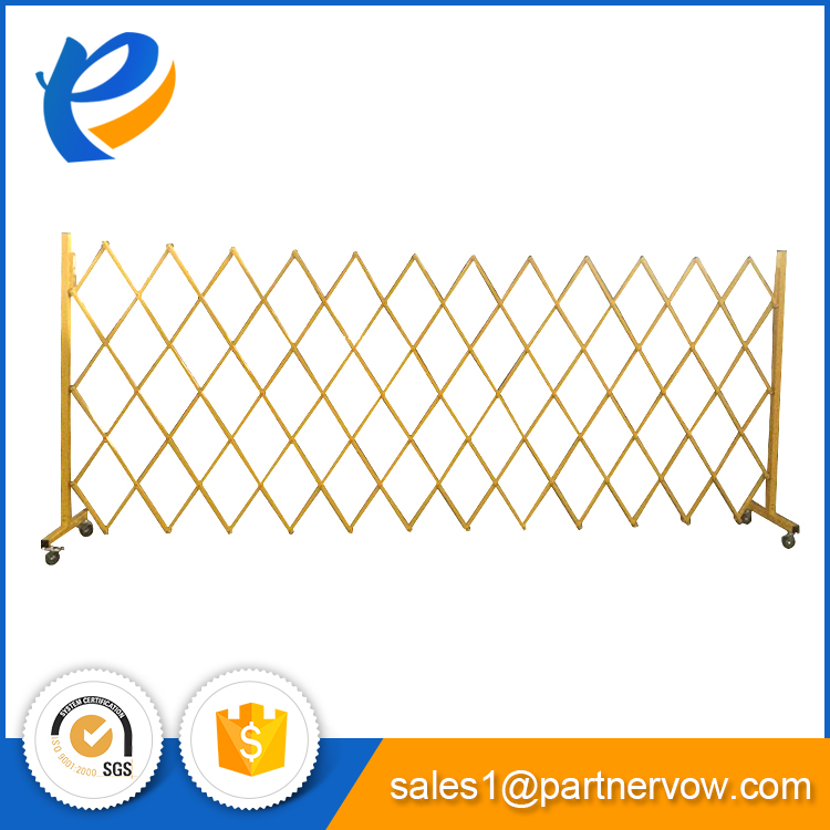 temporary expandable safety retractable fence barrier with wheels