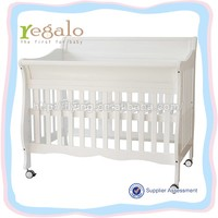 North Americal style New zealand pine wood white baby cot bed size