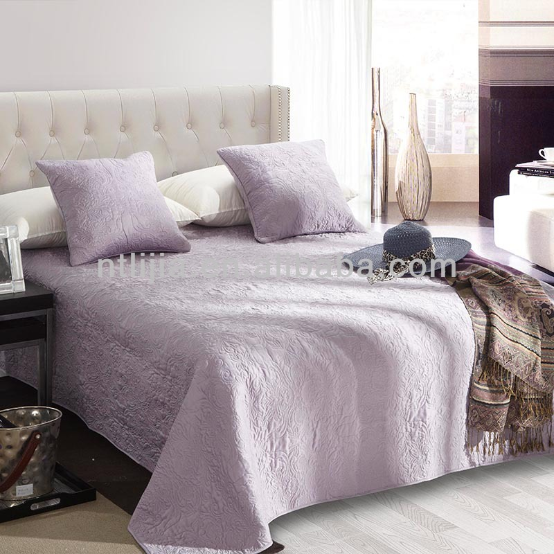 Kosmos colchas bordadas colchas de cama colchas por for Colchas para camas grandes