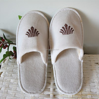 Cheap Indoor Guest Slippers Fluffy Hotel Slippers