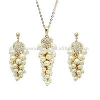 Authentic Austrian clear crystal 18K gold plated pearl grape necklace earrings jewelry set