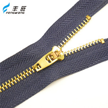 Factory wholesale good price free sample rose gold zipper, zipper metal