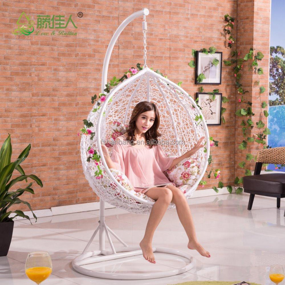 Outdoor indoor wicker portable rattan oval swing chairs for Outdoor mobel rattan