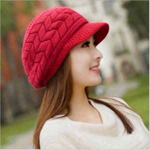 b5b4e3849e1 Knitted Hat Women Winter Hats for Women Ladies Beanie Girls Skullies CAPS  Bonnet Femme SnapBack Warm