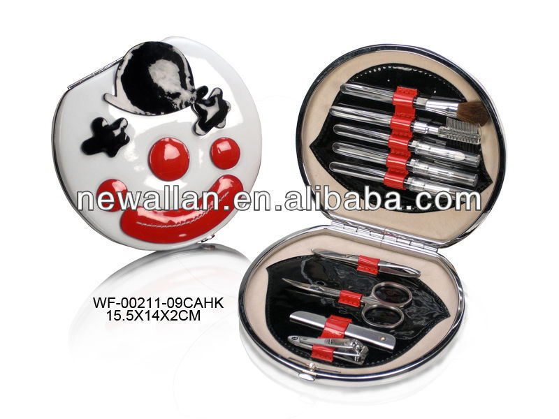 Manicure set pedicure set made by High quality PU leather with top quality nail tools inside