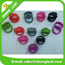 Wholesale Promotion Giveaways Cheap Custom Silicone Wedding Ring widh Embossed and Debossed Logo