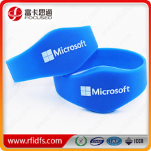 Logo printing or silk available rfid silicone wristband tag