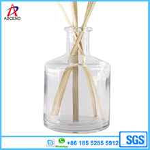Long neck 180ml glass reed diffuser bottle with airtight lid and reed sticks