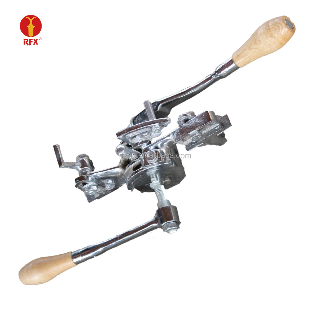 Hand operated tooth setter machine for setting width of sawblade