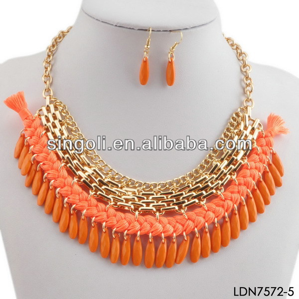 2014 China wholesale Alibabab in Russia coral fabric necklace, fashion costume fabric neckalce, gold statement necklace